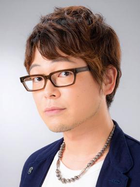 眼鏡をかけている興津和幸